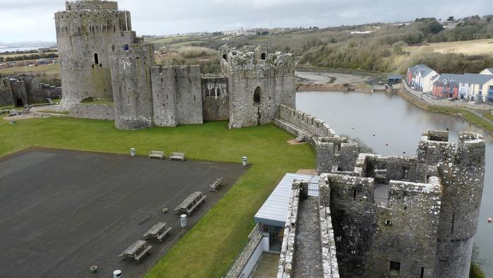 Замок Пембрук в Уэльсе 23334