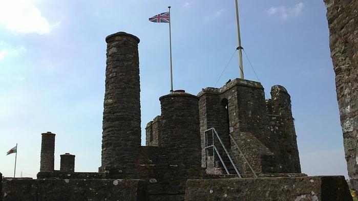 Замок Пембрук в Уэльсе 48837