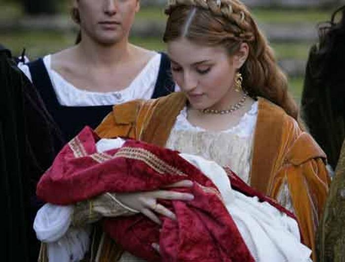 Мария вальверде родила ребенка