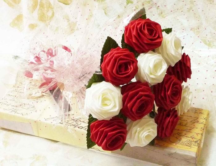 Цветы из атласных лент своими руками букет