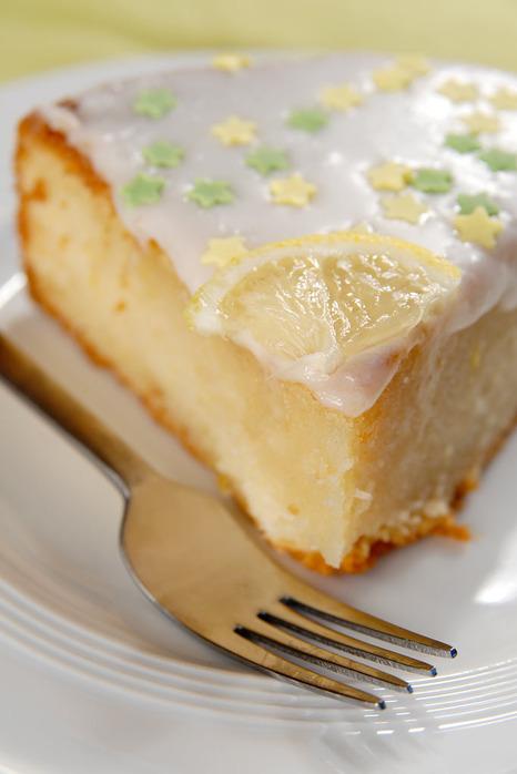 Французский лимонный пирог.  300 гр. маргарина, 1 стакан сахара, 2 яйца...