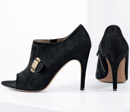 Вс Окт 04, 2009 5:53 pm.  Тема: Обувь с открытым носком.