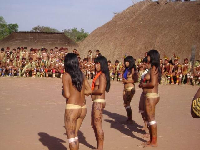 seks-v-plemenah-amazonki-foto