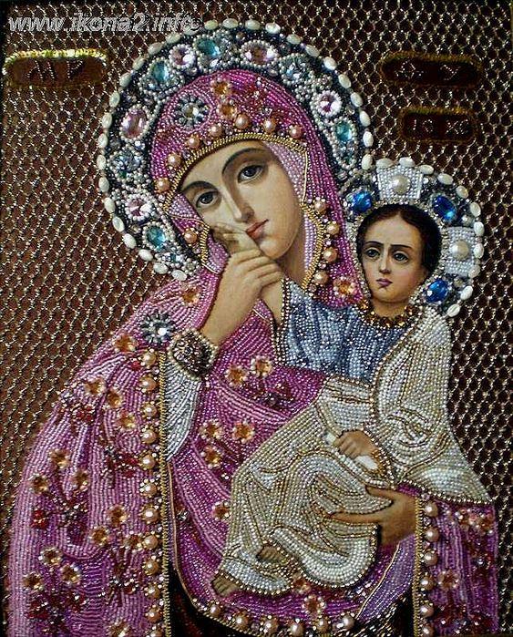 """иконе Божей Матери  """"Феодоровской """" она поможет.  Издревле на Руси к писаным иконам мастерицы - умелицы вышивали..."""