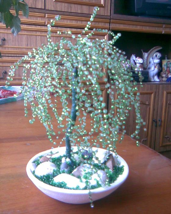 Схемы плетения деревьев и цветов из бисера. .  Уже давно собиралась сделать иву из бисера, и вот работа закончена. .