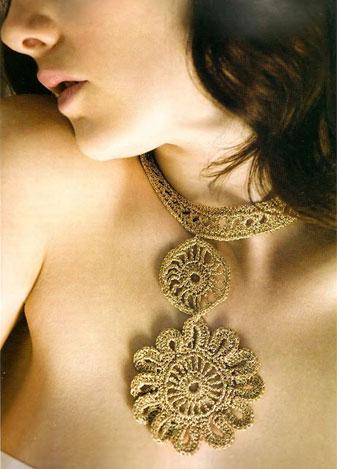"""Связать крючком ожерелье  """"Райский цветок """"+описание и схемы.  Мне очень понравилось, а Вам не знаю даже."""