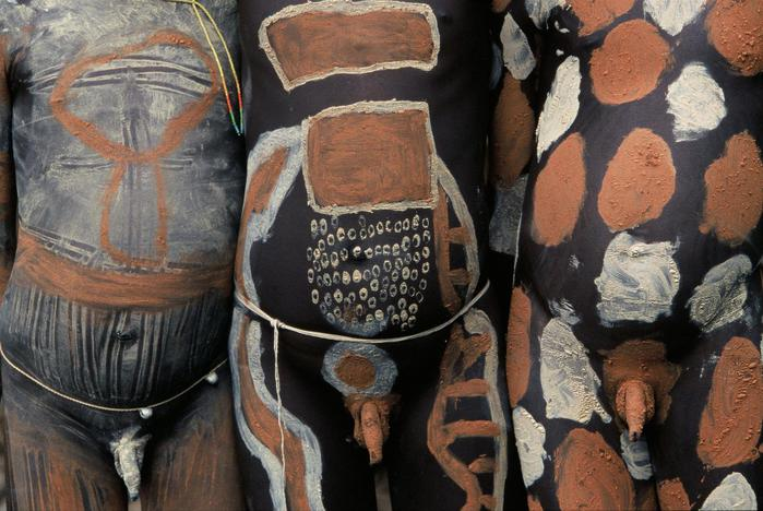 Дикие племена фото: http://etsphoto.ru/dikie-plemena-foto.html