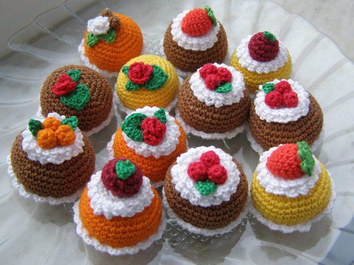 Вязаные пирожные и тортики схемы