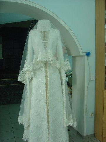 как сшить платье вичерное для пышных женщин с длиными рукавами