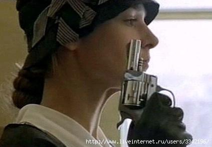 http://img0.liveinternet.ru/images/attach/c/1/54/150/54150345_zhenschina_s_revolverom.jpg