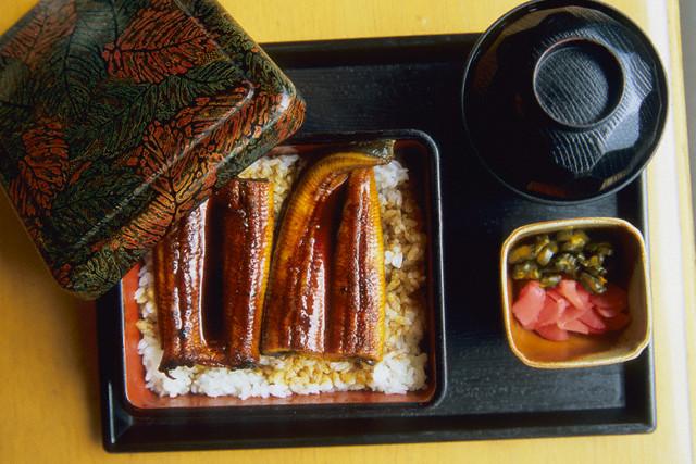 Обязательной частью японской пищи являются овощи.