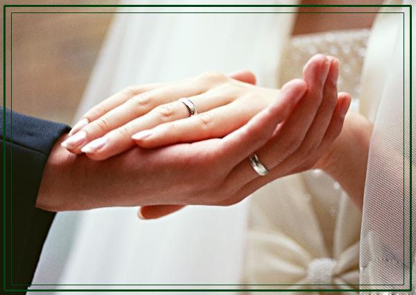 Фото обручальные кольца на руках 1