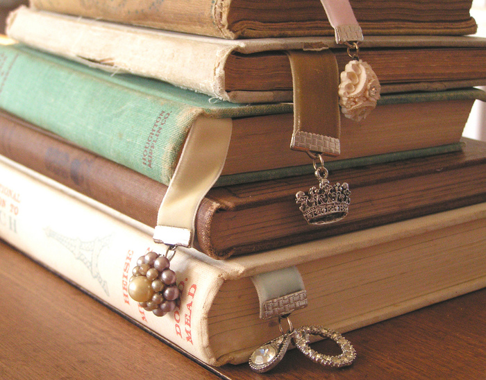 Vintage Books / Rhiannon Banda-Scott.