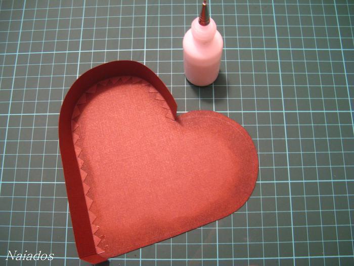 Размеры: 2 см х 19,6 см (2шт.) - обклеиваем внутреннюю часть нижней части шкатулки 2 см х 19,7.