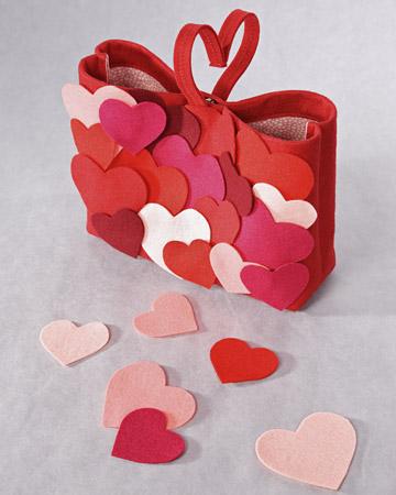 Вот некоторые идеи из Интернета по подготовке подарков ко дню всех влюбленных.