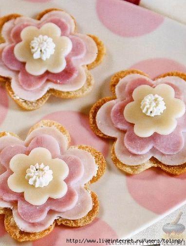 Бутербродики цветочки для детского праздника. для детей. цитатой...