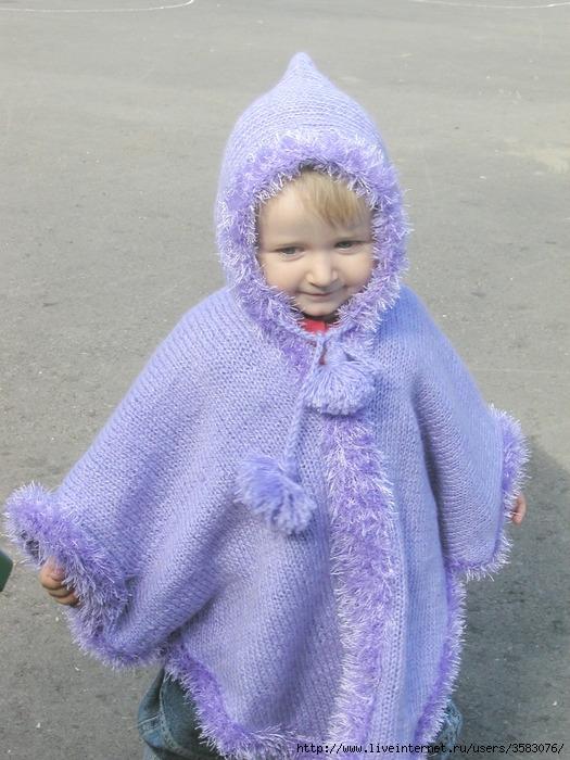 Вязание спицами пончо с капюшоном для детей 29