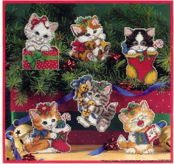 "Вышитые игрушки на елку  ""Котята "" ."