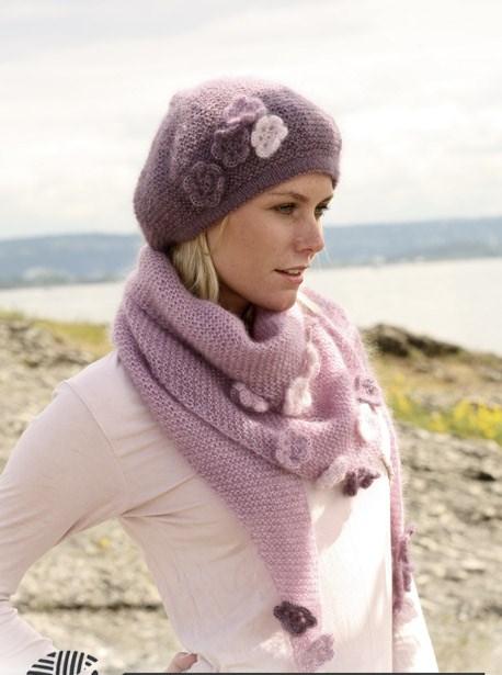 ...Kid-Silk (75% ллохер супер-кид, 25%шел 25 г= 200м)100 г розовой50 г цвета вереска25 г светло-розовыйПрямые спицы.
