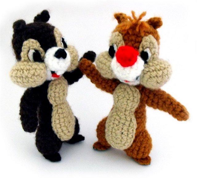 """В последнее время дочка смотрит  """"Чип и Дейл спешат на помощь """".  Целенаправлено описания вязания игрушек в виде..."""