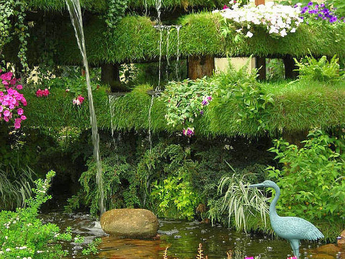 Висячие сады Семирамиды.  Были созданы в 600 г. до н.э. После I столетия до н. э. были разрушенны в...