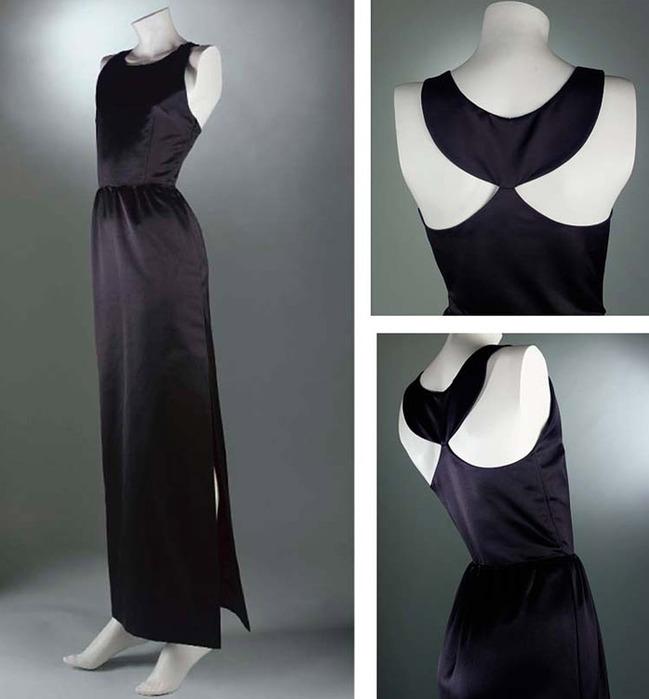 Как правильно носить маленькое черное платье.