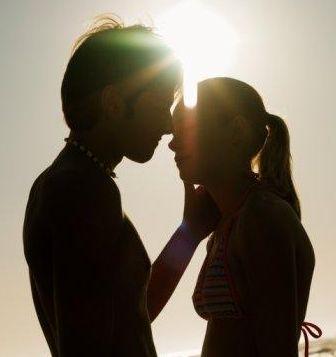 ...гармоничной, счастливой пары - это откровенность друг з другом.