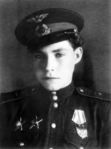 mari_ya_77 - Самый молодой советский лётчик Второй мировой войны