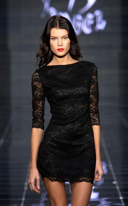 Красиво, понравилось это платье!!Такое таинственное, готическое, но...