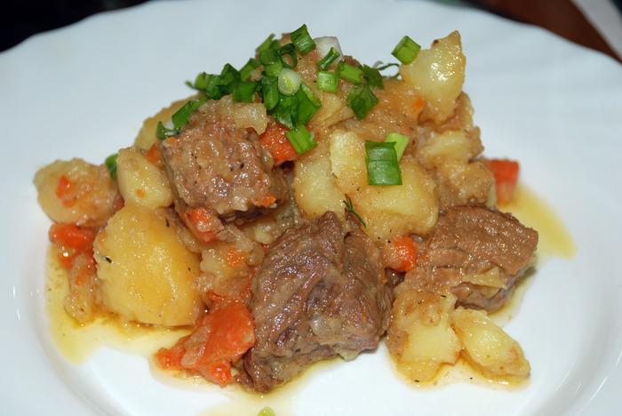 Как правильно приготовить тушеное мясо из говядины
