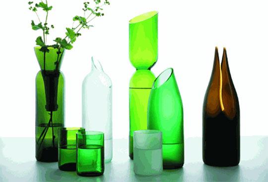 Как разрезать ниткой стеклянную бутылку.  МК.  Необходимо. бутылка, моток ниток, одеколон, спички и холодная вода.