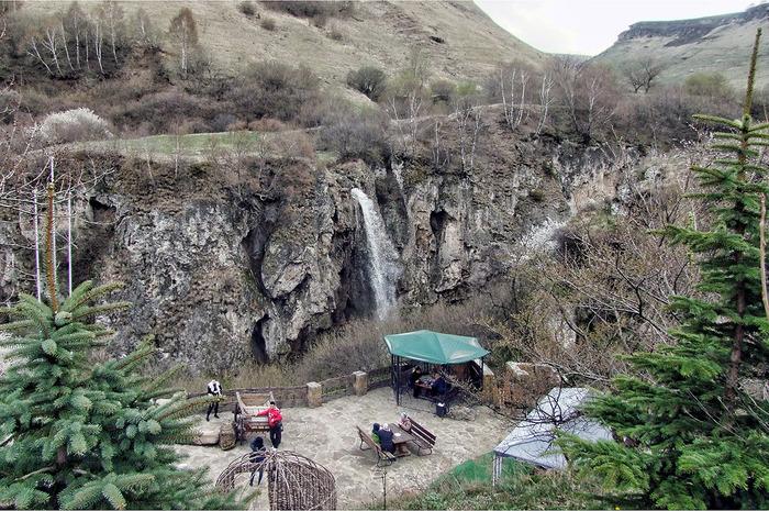 Медовые водопады самое интересное в