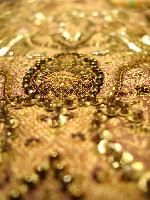 Вышивка золотом золотыми нитями