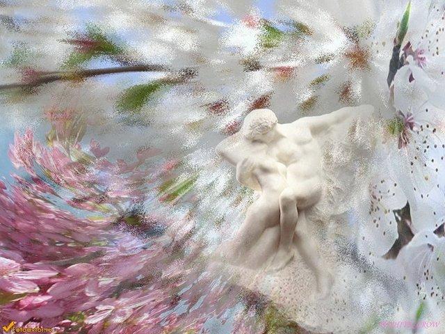 ... Заряжаясь энергией света, Дарит ангел добро, улыбаясь весне, Ожидая…