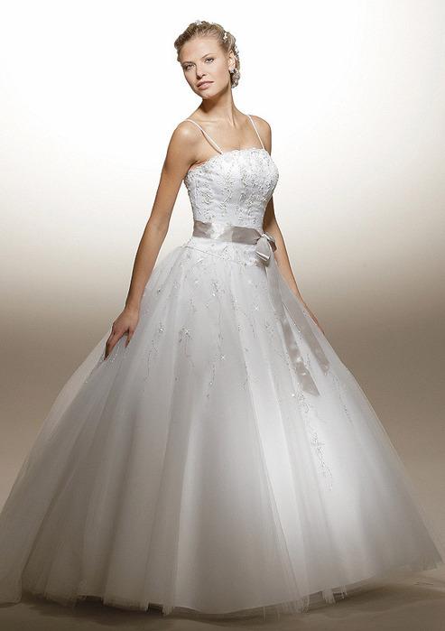 Черное платье классика фото.  Фото свадебные платья фата каталог.