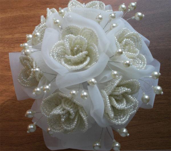 Букеты из бисера для невест