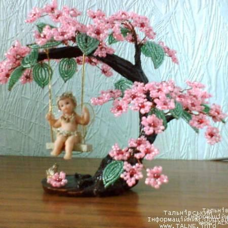 Как с бисера сплести дерево