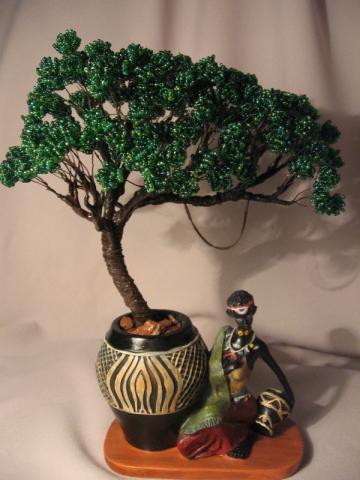 свой цитатник или сообщество!  Оригинальное оформление деревьев из бисера.  Заметила, что именно это актуальная...
