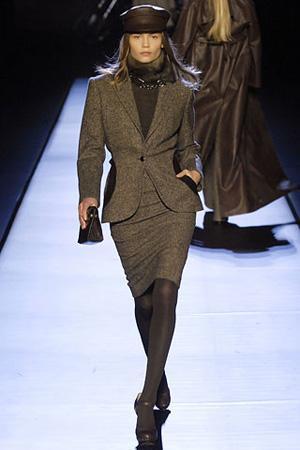 Этот фасон юбки подойдет женщинам, предпочитающим деловой стиль в одежде.