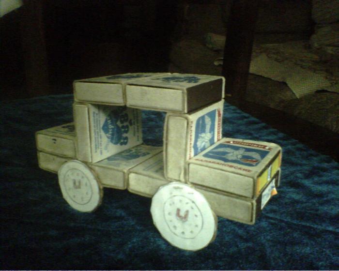 Машинка из коробков своими руками