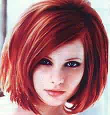 выпремленные J волосы.  Рыжие дреды.