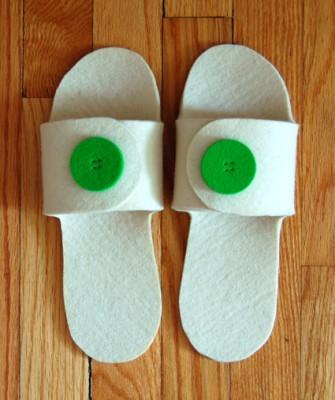 Для изготовления этих практичных, удобный, мягких тапочек, вам понадобится чудесный...