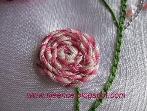 Плетение из ленточек цветок