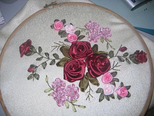 орхидея из бисера. схема плетения бисером цветов. плетение бисера в стиле мозаика. фотографии сделанная из бисера...