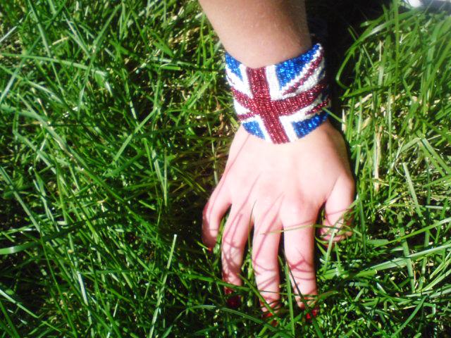 схема плетения брелок британский флаг из бисера картинка - Исскуство схемотехники.