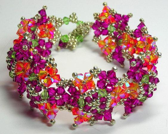 красивые браслеты из бисера с именами.