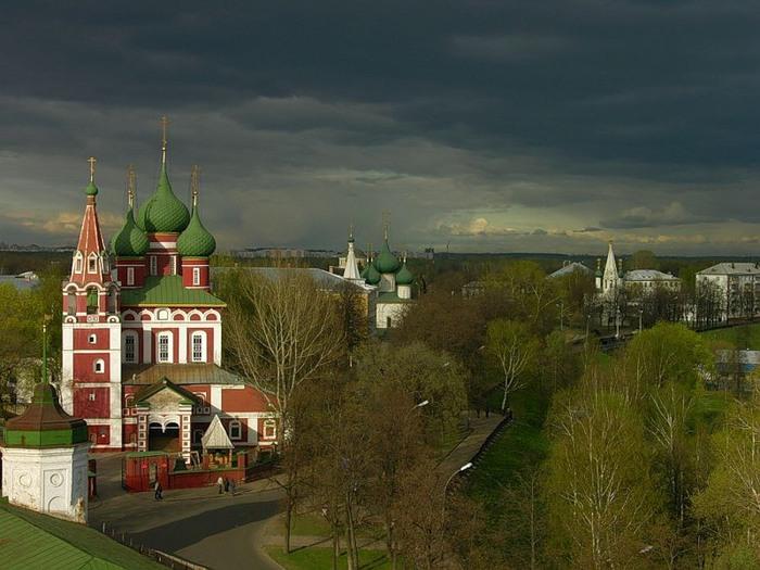 Вчерашние грозы не прошли бесследно для Ярославской области.