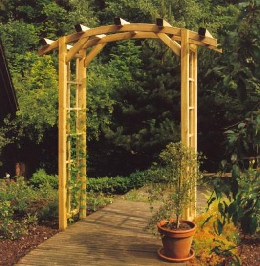 Деревянную арку на даче