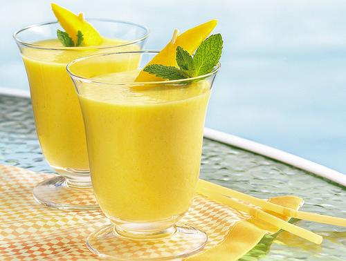 ...блюдо, то ли питательный напиток, smoothies - на пике популярности.