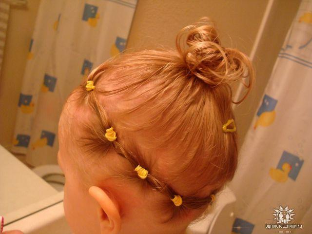 Прическа для девочки на недлинные волосы
